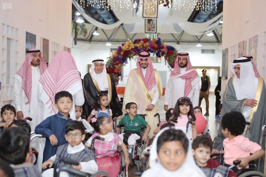 الأمير بدر بن سلطان يزور مركز الملك عبدالله بن عبدالعزيز لرعاية الأطفال المعوقين بجدة