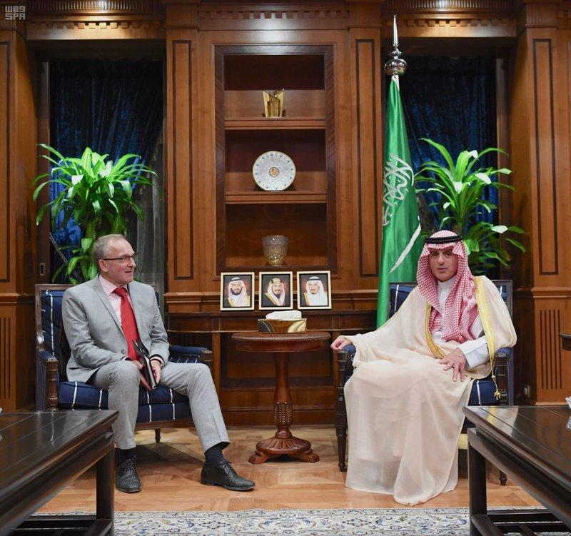الجبير يستقبل سفير ألمانيا ويناقش القضايا الإقليمية والدولية