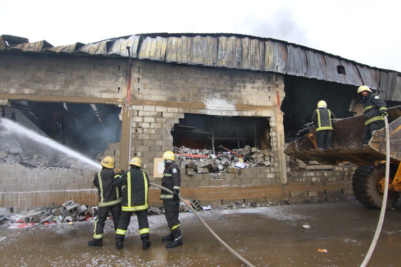 """تجاوباً مع ما نشرته """" سعودي بوست """" مدني جازان يوضح تفاصيل حريق مستودعات صبيا"""
