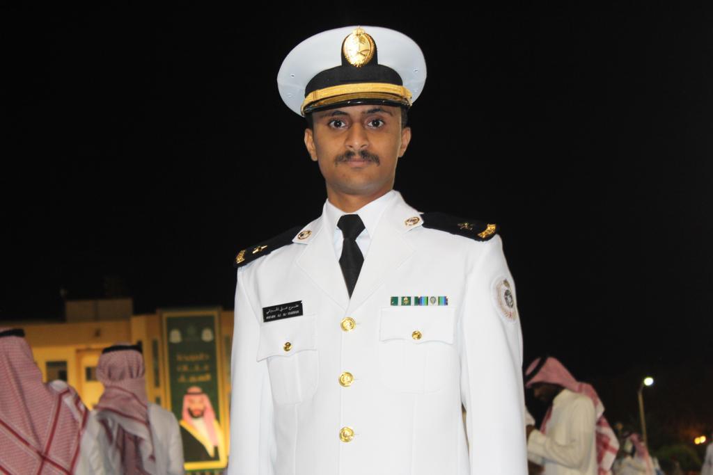 قبيلة آل خبراني تهنئ الملازم مفرح بتخرجة من كلية الملك فهد البحرية بالجبيل