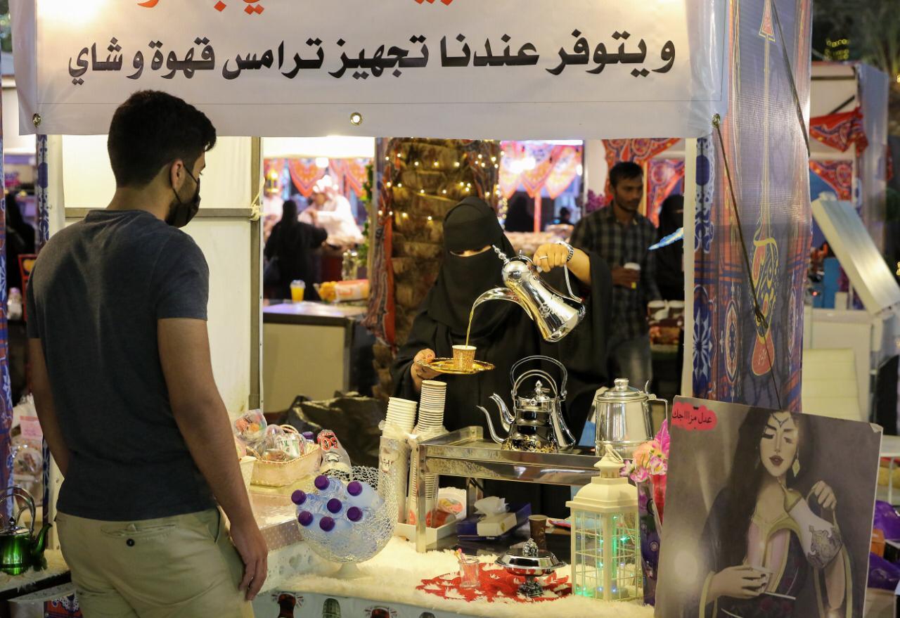 450 شاب وشابة يعملون في 150 ركن مهرجان ليالي رمضان يدعم الشباب والأسر المنتجة