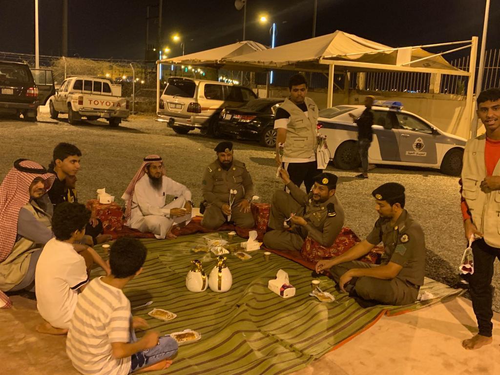 """"""" إفطار صائم"""" يجمع نادي حي المبيت ورجال أمن العارضة"""
