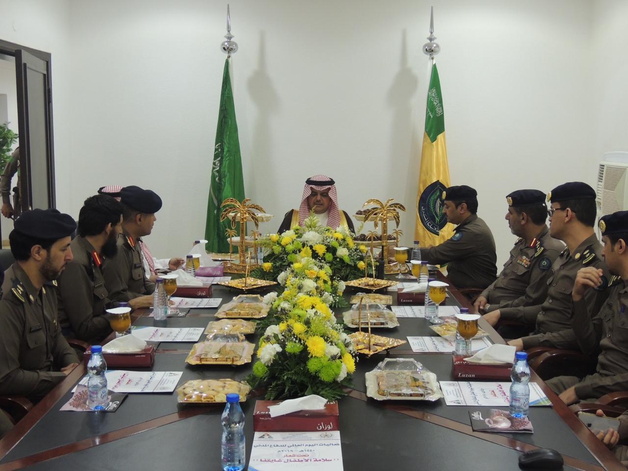 أمير محافظة حفر الباطن يزور الإدارة العامة للدفاع المدني بالمحافظة