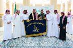 الأمير حسام يتسلم تقريراً عن مشاركات وانجازات فريق صقور الباحة للدراجات النارية
