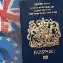 المملكة المتحدة تعود للجواز الأزرق بعد توقف 30 عاماً