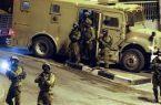 جيش الاحتلال يعتقل فلسطينيا ناشطا ضد الاستيطان من بلدة بيت أمر