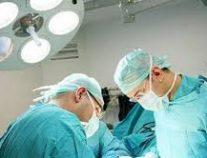 فريق طبي فلسطيني ينجح بإجراء عملية قلب لجنين في رحم أمه