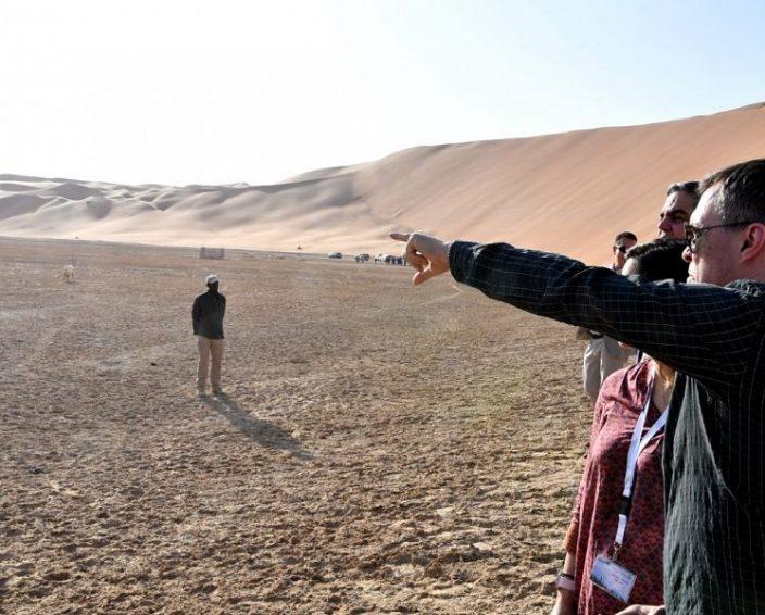 وزارة الخارجية تنظم زيارة للدبلوماسيين في المملكة وعائلاتهم إلى حقل شيبة النفطي