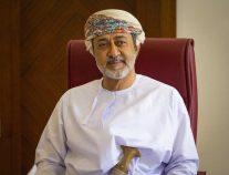 سلطان عمان يصدر مرسوماً سامياً بتغيير علم السلطنة ونشيدها