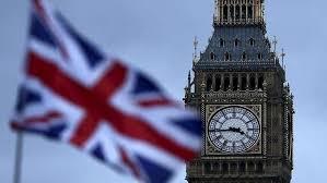 بريطانيا تحث مواطنيها على العودة إلى البلاد بأسرع وقت
