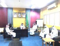 مدير مكتب تعليم بيش يرأس اجتماع لجنة الإستعداد للاحتفاء باليوم الوطني 90
