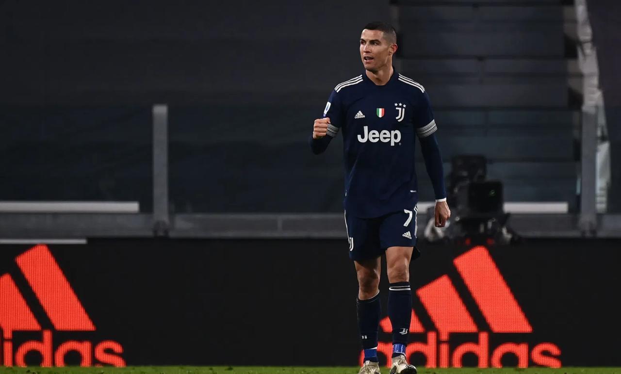 بيان رسمي يصدم رونالدو بشأن لقب الهداف التاريخي لكرة القدم