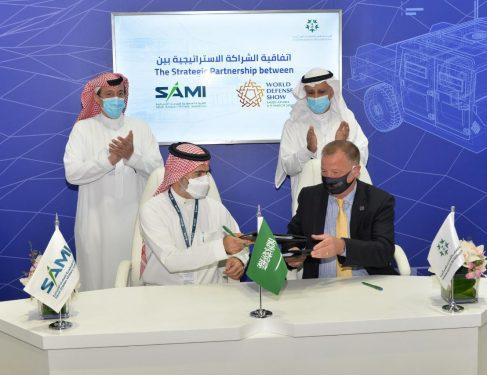 الجناح السعودي يشهد توقيع اتفاقيات ومذكرات تفاهم خلال معرض الدفاع الدولي «آيدكس 2021»