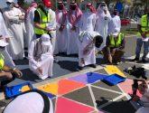 الأمير سعود بن جلوي يشارك في تزيين كورنيش الألوان بجدة