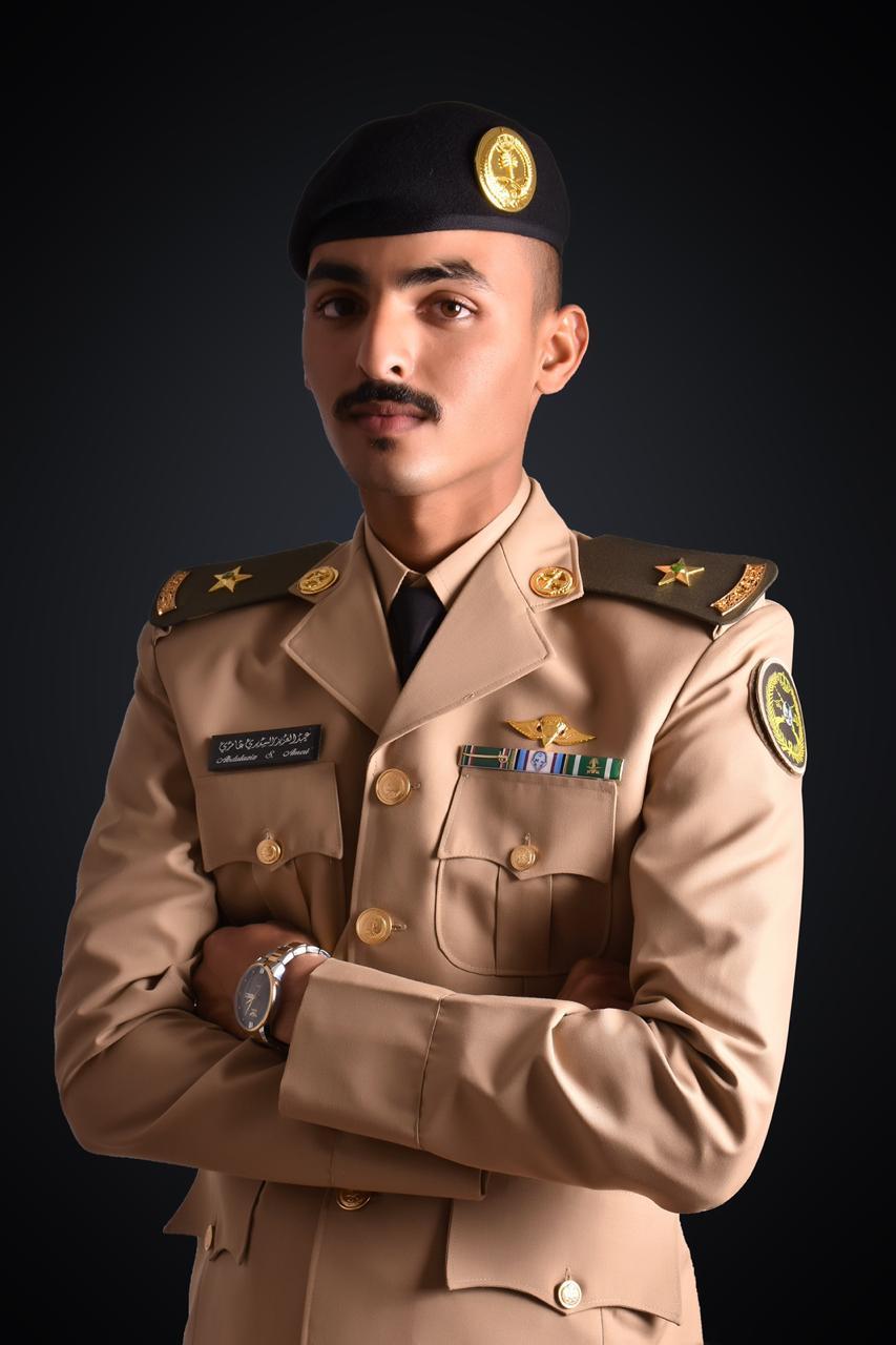 """العامري"""" يحتفل بتخرجه من كلية الملك عبد العزيز الحربية"""
